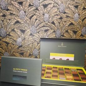 📣 NOUVEAUTÉ 📣  Une nouvelle taille de boîte de chocolats est arrivée 🎉  Pour plus de gourmandise, découvrez vite dans vos boutiques notre nouvelle boîte composée de 42 chocolats 😍😍  #aupetitprince #etel #carnac #pluvigner #auray #baud #chocolate #foudepatisserie #instafood #foodporn #relaisdesserts #gourmandise #yummy #instagood #pastry #pastrylover #praline #ganache #pastrychef #morbihan #bzh